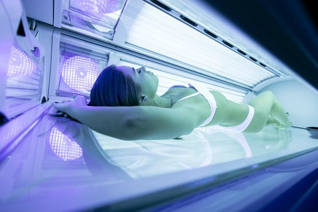 Stretch out! | How to Lay in a Tanning Bed | tanning tip for beginners