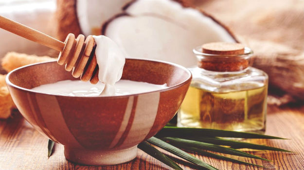 Using Coconut Oil as a Tanning Oil For a Flawless Tan | Everything You Need To Know About Tanning Oils | tanning oils |  tanning oils with spf |  tanning oils for tanning beds